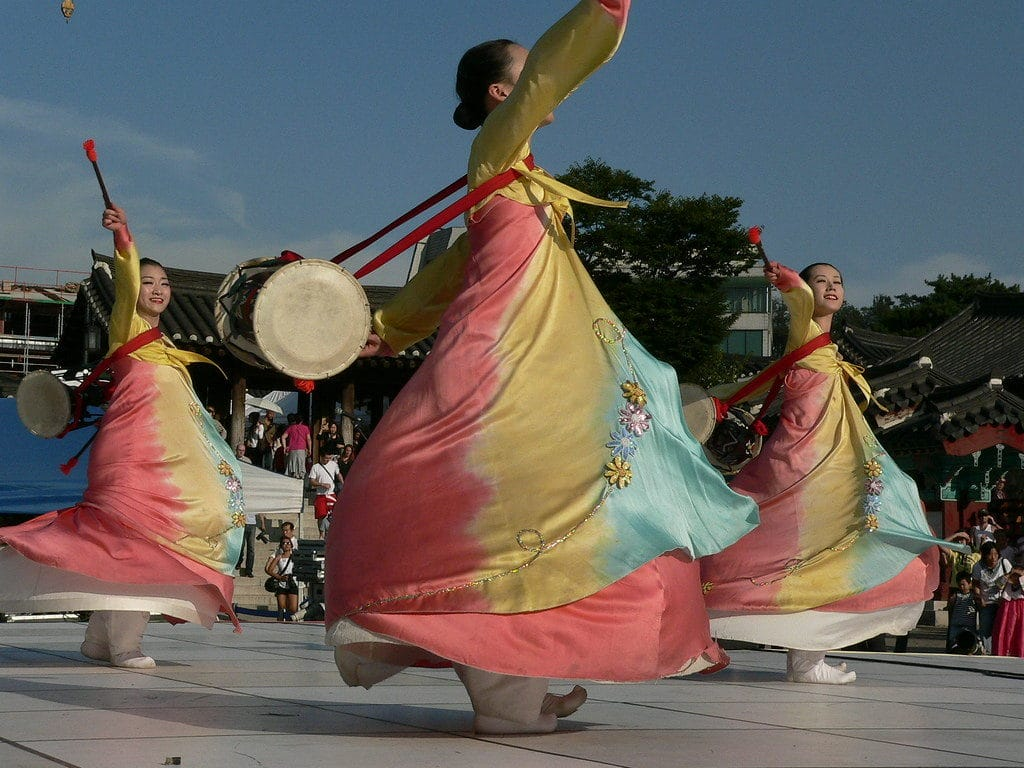 danse corénne traditionnelle
